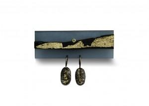 Brosche | Acryl | 750 Gold | 935 Silber | Ebenholz | Brillant | Blattgold