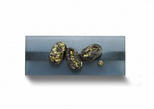 Brosche | Acryl | 750 Gold | 935 Silber | Brillant | Blattgold